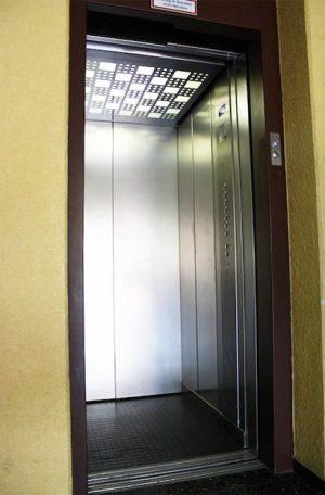 Aufzugkabine nach Umbau