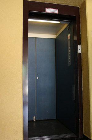 Aufzugkabine vor Umbau
